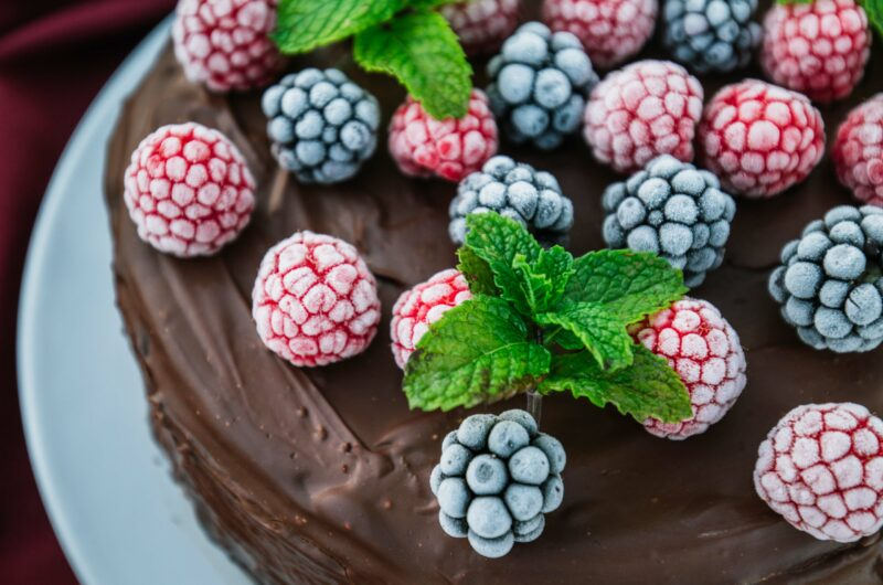 Chocolate berry cake with chocolate frosting